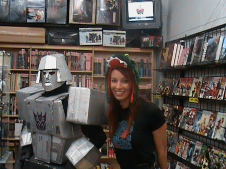 "Amy Vitale ""Godzilla Babe"" makes peace :-) with the Mighty Megatron."