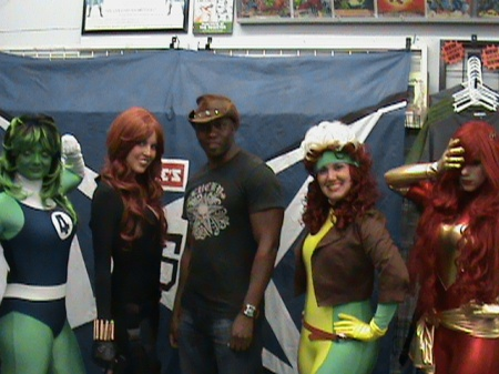 Tate's Comics X-men Vs. Avengers Launch.